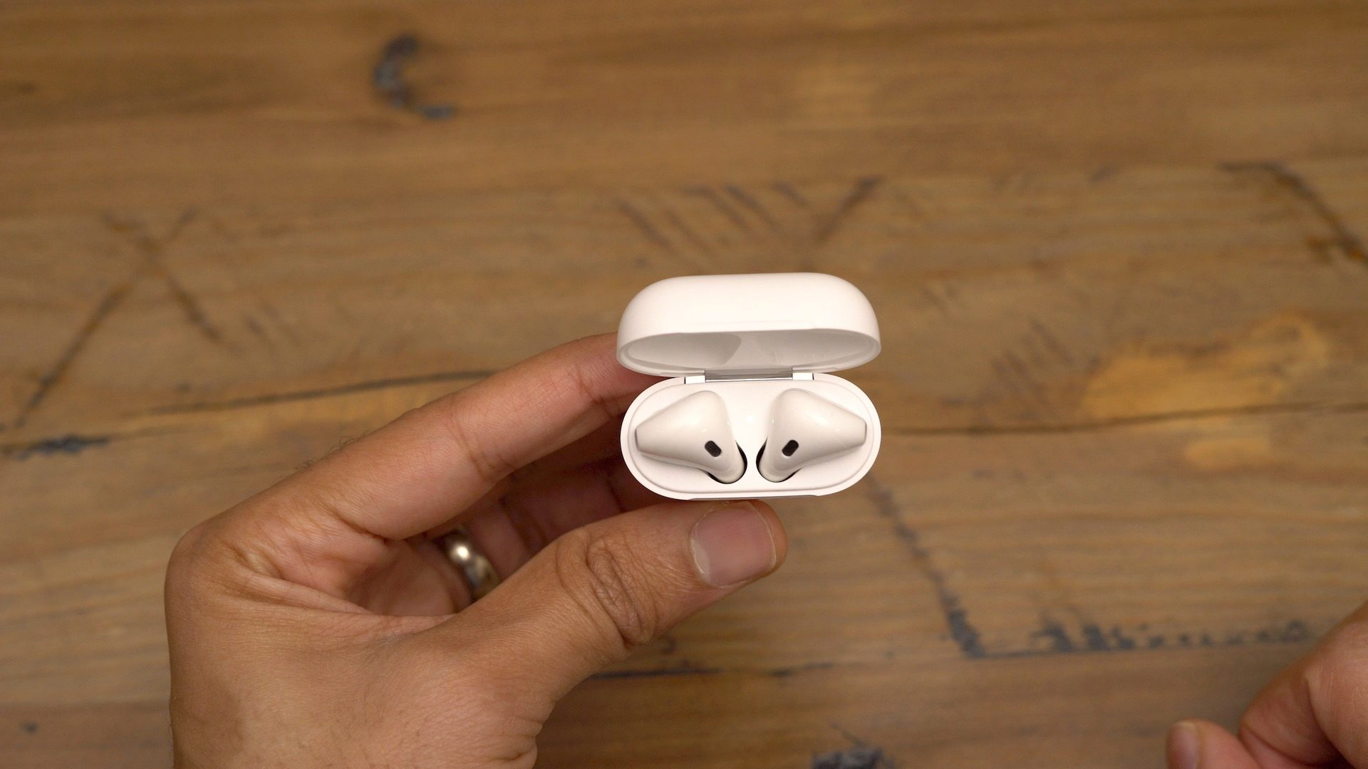 "<span href=""https://9to5mac.com/2018/06/30/how-to-reset-your-airpods/"">Cómo restablecer su AirPods</a>"