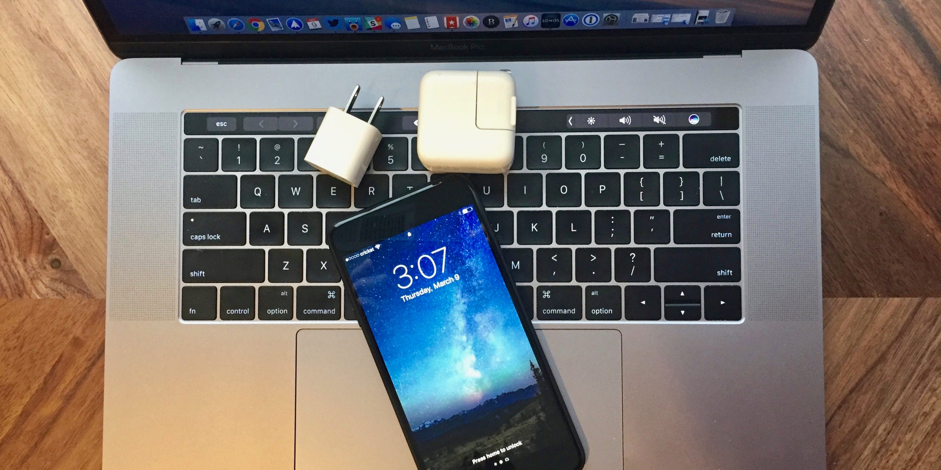 """<span href=""""https://9to5mac.com/2017/03/09/how-to-charge-iphone-faster/"""">Cómo cargar tu iPhone más rápido</a>"""